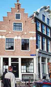 House with stepped gable at Prinsengracht in Amsterdam